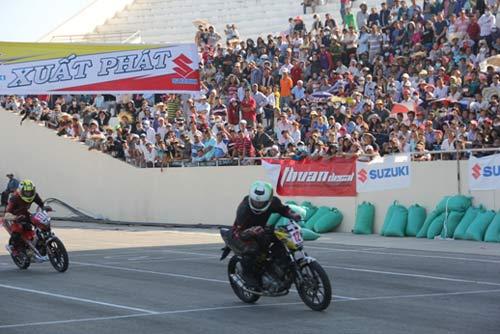 Chật ních khán đài xem giải đua moto Việt đỉnh cao - 5