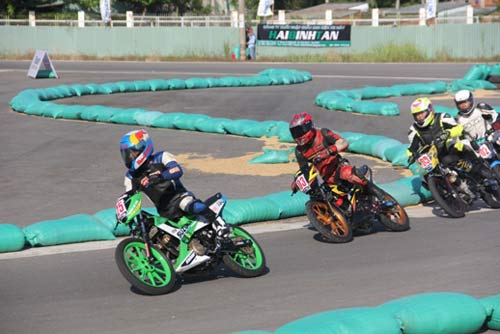 Chật ních khán đài xem giải đua moto Việt đỉnh cao - 9