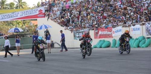 Chật ních khán đài xem giải đua moto Việt đỉnh cao - 10