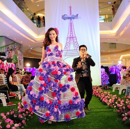 Vân Trang, Trúc Diễm diện váy ngàn hoa cuốn hút - 5