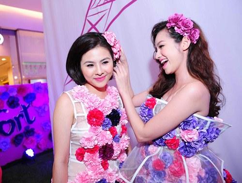 Vân Trang, Trúc Diễm diện váy ngàn hoa cuốn hút - 7