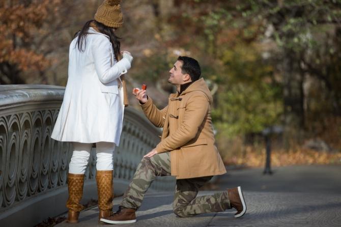 Khoảnh khắc cầu hôn tuyệt đẹp của các cặp đôi - 9
