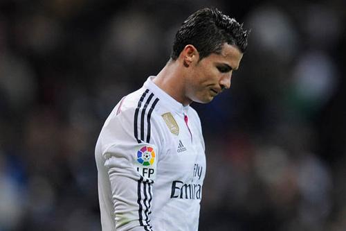Fan cuồng đề nghị đổi bạn gái để lấy áo đấu Ronaldo - 1