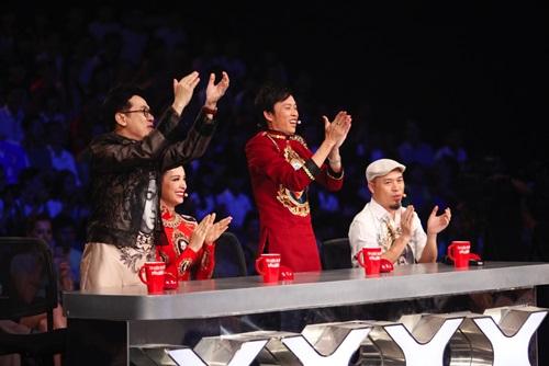 """Hoài Linh tặng quà độc cho """"bộ tứ quyền lực"""" Got talent - 4"""