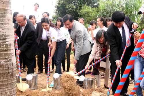 Trồng hơn 13.000 cây xanh tại khu mộ Đại tướng Võ Nguyên Giáp - 4