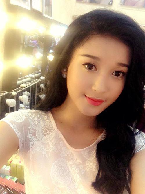 Ngắm hình selfie xinh như mộng của mỹ nhân showbiz - 7