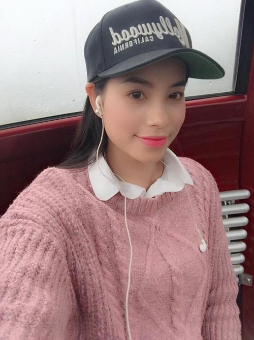 Ngắm hình selfie xinh như mộng của mỹ nhân showbiz - 18