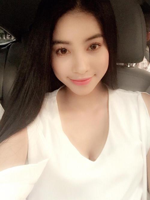 Ngắm hình selfie xinh như mộng của mỹ nhân showbiz - 19