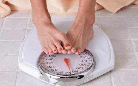 5 yếu tố ngoài ăn uống ảnh hưởng đến cân nặng - 1