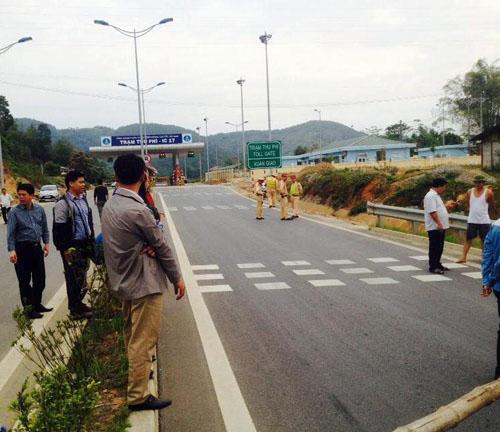 Dân lại chặn đường dẫn lên cao tốc Nội Bài – Lào Cai - 3