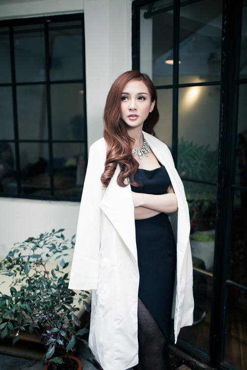 Thời trang ngày càng quyến rũ của dàn hot girl Việt - 3