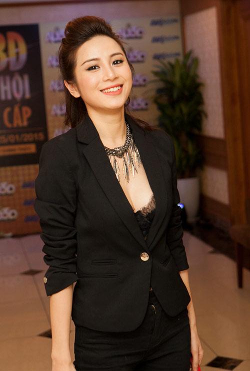 Thời trang ngày càng quyến rũ của dàn hot girl Việt - 7