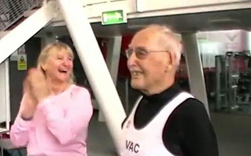 Cụ ông 95 tuổi chạy 200m lập kỷ lục thế giới - 1