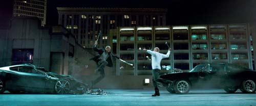 Fast & Furious 7: Nghẹt thở với trích đoạn phim đầu tiên - 5