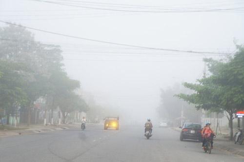 Quảng Nam: Sương mù phủ trắng thành phố Tam Kỳ - 9