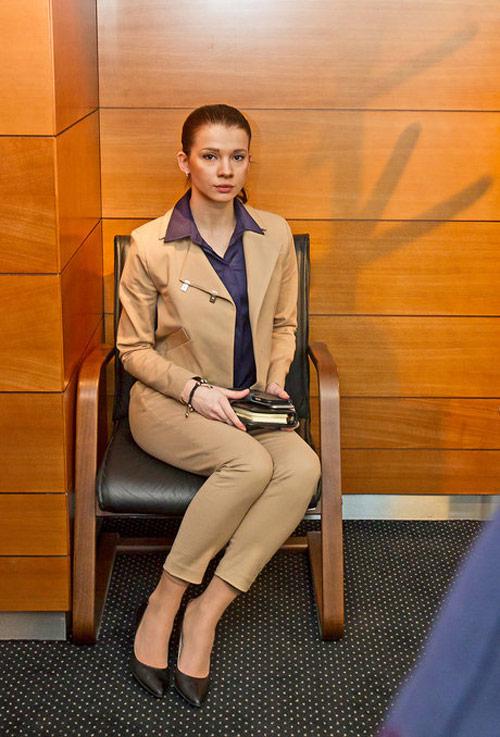 Chân dài sexy trở thành trợ lý riêng của Thủ tướng - 3