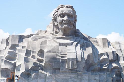 Ngắm tượng đài Mẹ Việt Nam anh hùng lớn nhất nước - 6