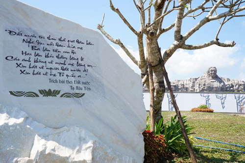 Ngắm tượng đài Mẹ Việt Nam anh hùng lớn nhất nước - 13