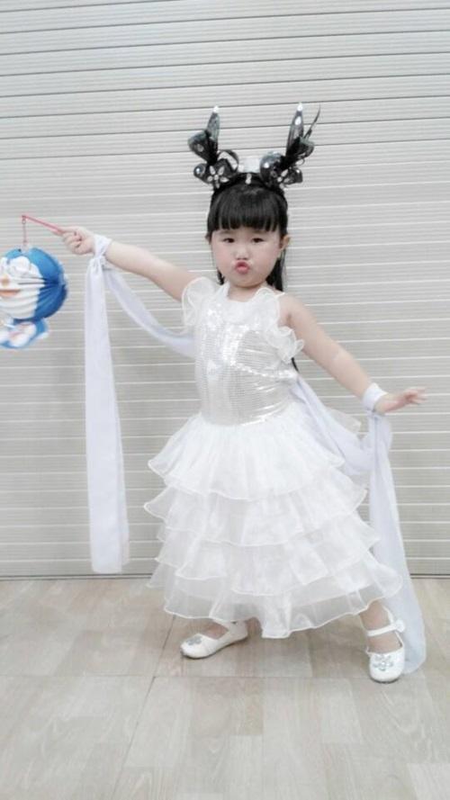 """Gặp gỡ """"Tiểu hồ ly"""" 4 tuổi đang gây sốt VN Got talent - 14"""