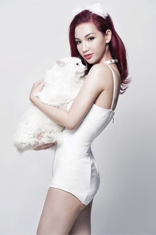 Quỳnh Chi hóa mèo trắng sexy, tái xuất showbiz - 5