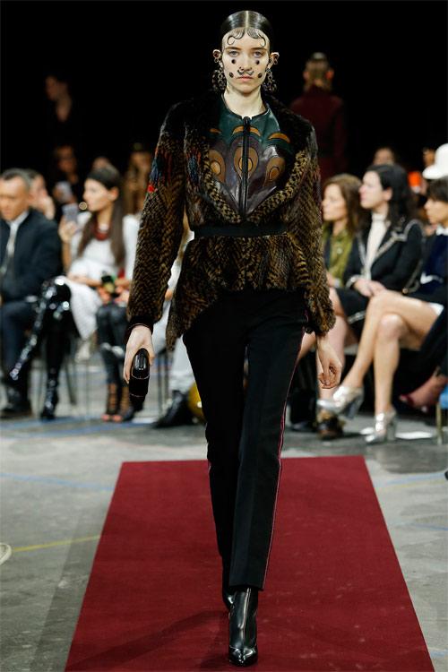 Vẻ đẹp nữ hoàng Anh trong tuyệt phẩm của Givenchy - 2