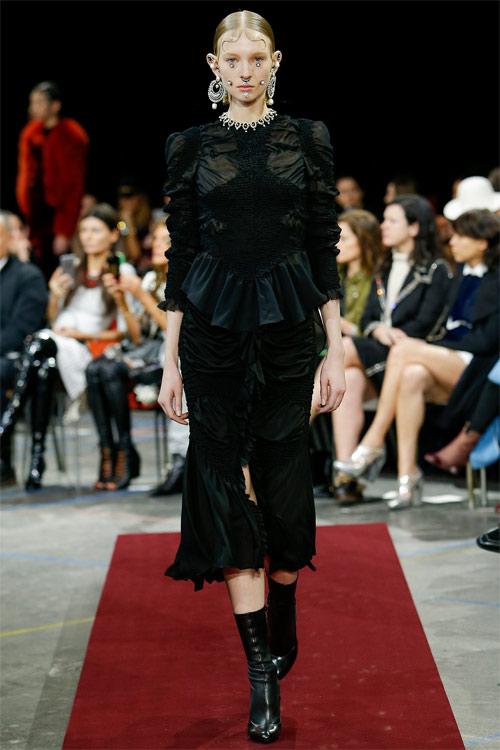 Vẻ đẹp nữ hoàng Anh trong tuyệt phẩm của Givenchy - 4