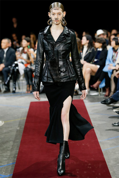 Vẻ đẹp nữ hoàng Anh trong tuyệt phẩm của Givenchy - 5