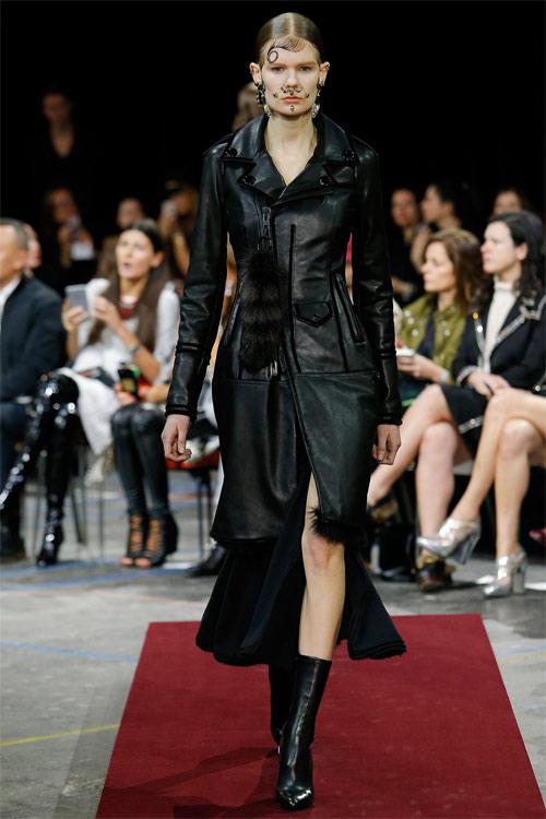 Vẻ đẹp nữ hoàng Anh trong tuyệt phẩm của Givenchy - 7
