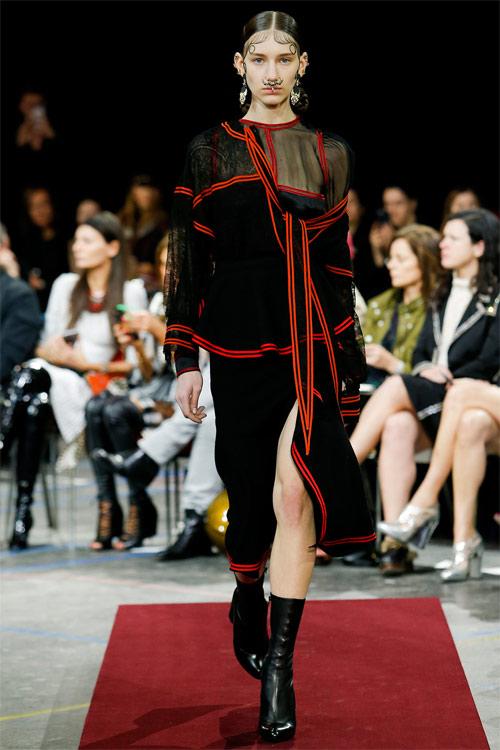 Vẻ đẹp nữ hoàng Anh trong tuyệt phẩm của Givenchy - 10