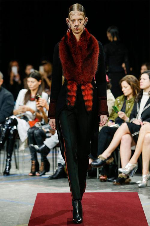 Vẻ đẹp nữ hoàng Anh trong tuyệt phẩm của Givenchy - 8