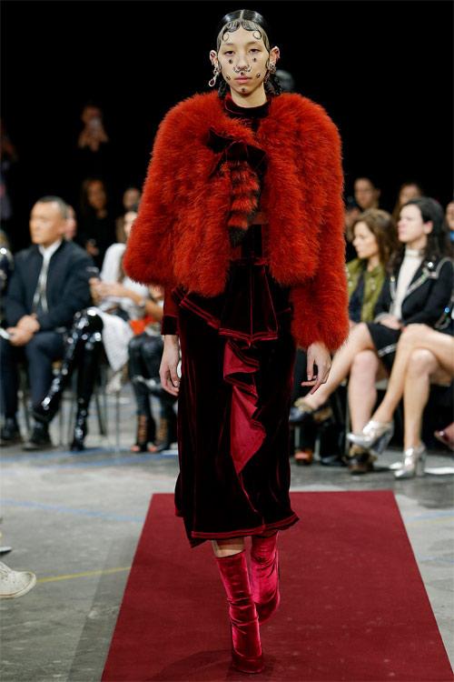 Vẻ đẹp nữ hoàng Anh trong tuyệt phẩm của Givenchy - 9