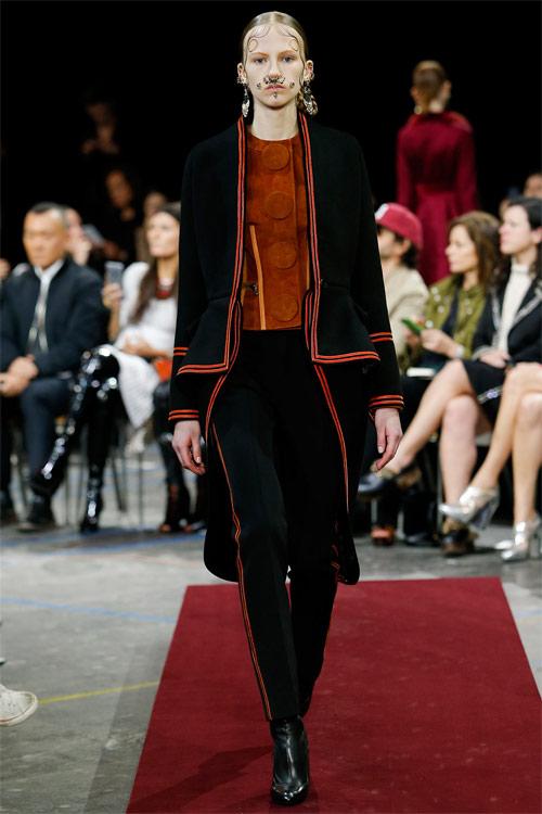 Vẻ đẹp nữ hoàng Anh trong tuyệt phẩm của Givenchy - 11