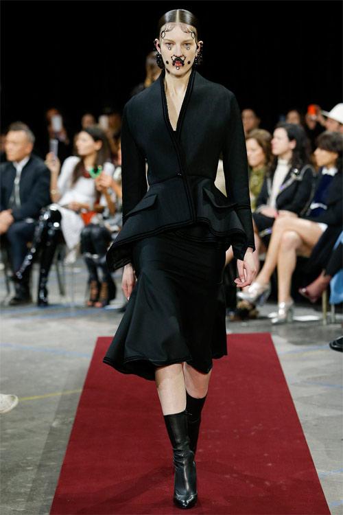 Vẻ đẹp nữ hoàng Anh trong tuyệt phẩm của Givenchy - 18