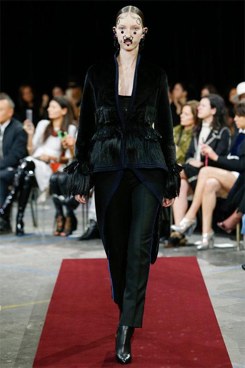 Vẻ đẹp nữ hoàng Anh trong tuyệt phẩm của Givenchy - 17
