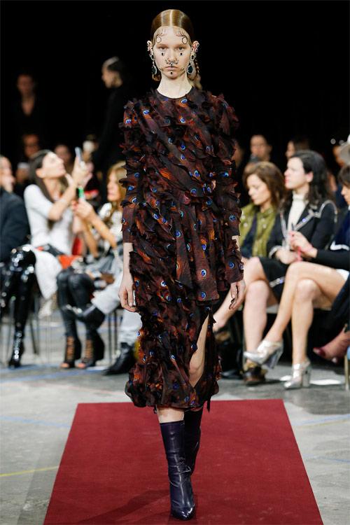 Vẻ đẹp nữ hoàng Anh trong tuyệt phẩm của Givenchy - 14