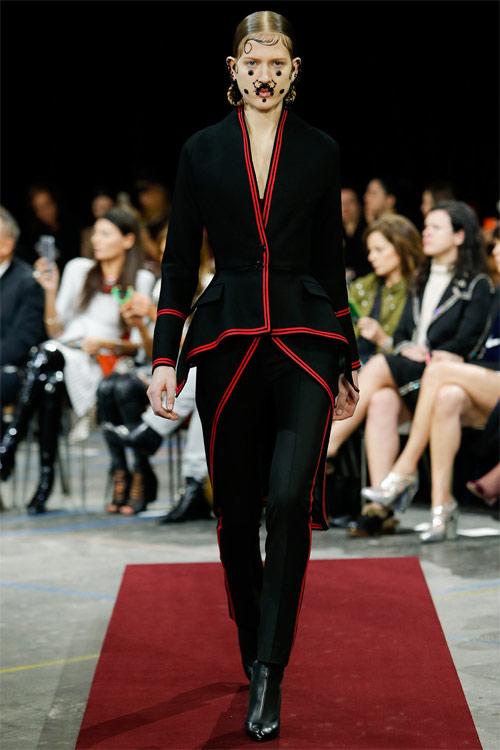 Vẻ đẹp nữ hoàng Anh trong tuyệt phẩm của Givenchy - 19
