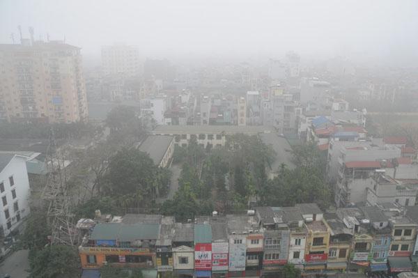 Dân Thủ đô khổ sở vì mưa phùn, nồm ẩm - 1
