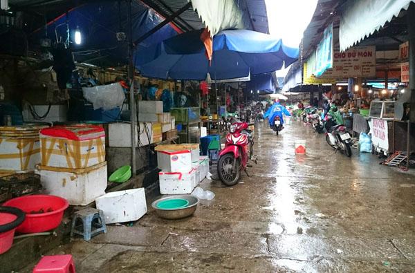 Dân Thủ đô khổ sở vì mưa phùn, nồm ẩm - 6