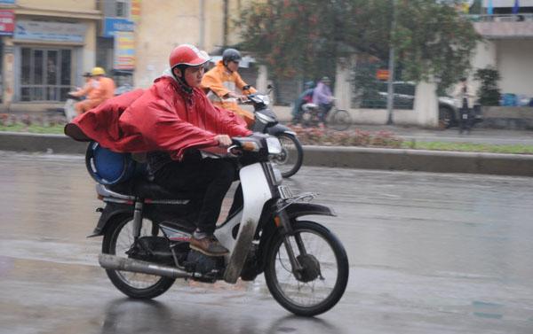 Dân Thủ đô khổ sở vì mưa phùn, nồm ẩm - 3