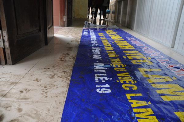 Dân Thủ đô khổ sở vì mưa phùn, nồm ẩm - 9