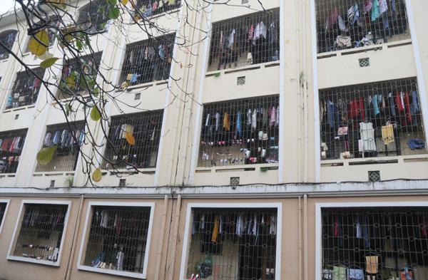 Dân Thủ đô khổ sở vì mưa phùn, nồm ẩm - 7
