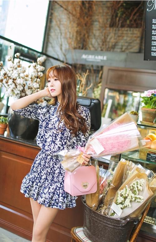 Nàng công sở chọn váy ngọt ngào cho ngày mưa xuân - 8
