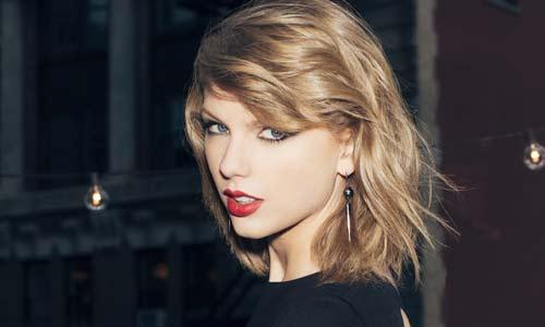 Taylor Swift mua bảo hiểm 850 tỉ đồng cho đôi chân - 1