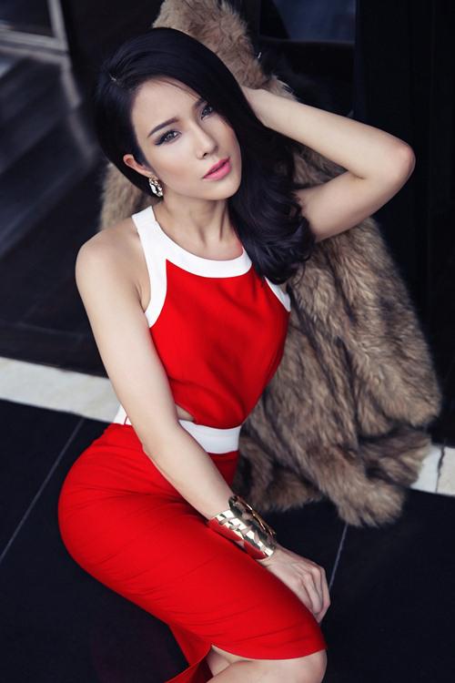 """Điểm mặt những mẫu Việt """"đá sân"""" sang làng điện ảnh - 15"""