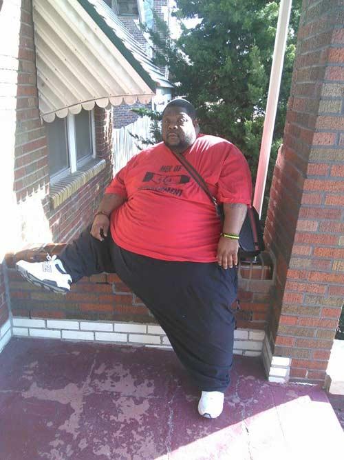 Chàng béo nặng gần 4 tạ 2 năm giảm 100 kg - 1