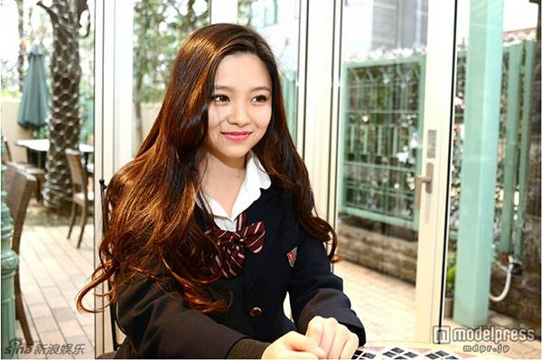 Nữ sinh trung học xinh đẹp nhất Nhật Bản bị chê già - 7