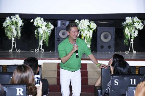 """Đàm Vĩnh Hưng bỏ show lớn để """"chiều"""" fan - 7"""