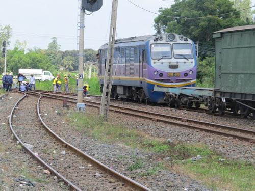 Tàu hàng trật bánh tại khu vực đường sắt Phú Yên - 1