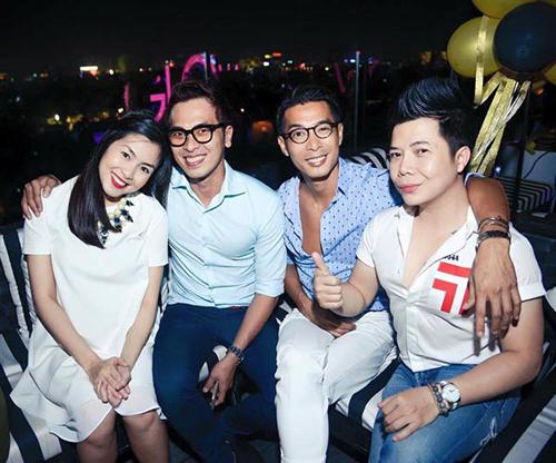 """Thời trang của 5 """"bà bầu"""" đình đám trong showbiz Việt - 4"""