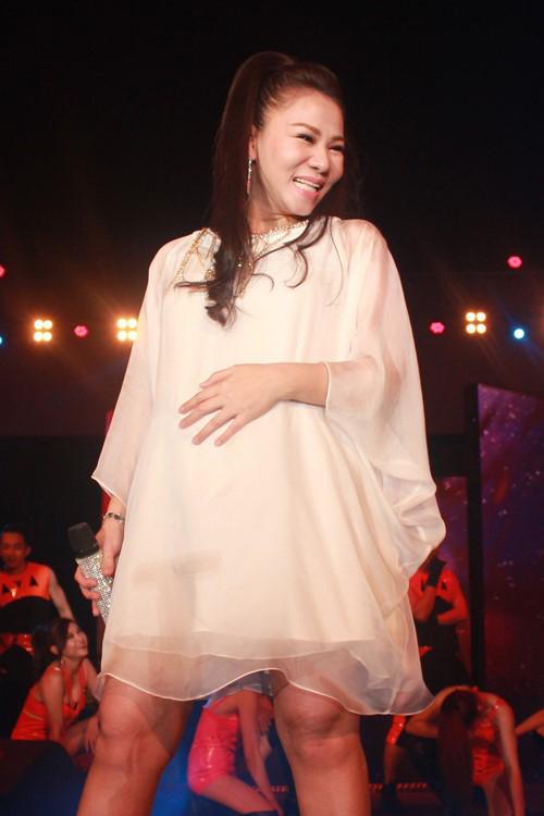 """Thời trang của 5 """"bà bầu"""" đình đám trong showbiz Việt - 7"""
